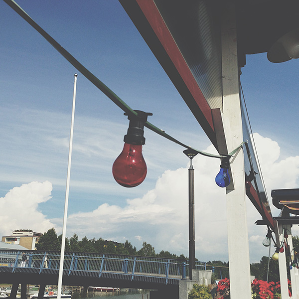 Lounaalla #light #bulb #blue #sky #cloud #bridge #uusikaupunki #vscocam