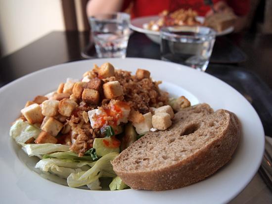 Salaatti @ Cafe Sali