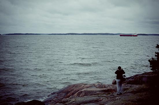 Meren äärellä