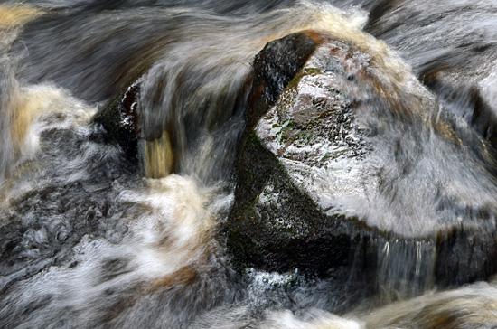 Vesi virtaa II