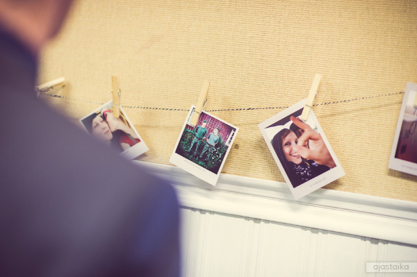 Polaroidit seinällä