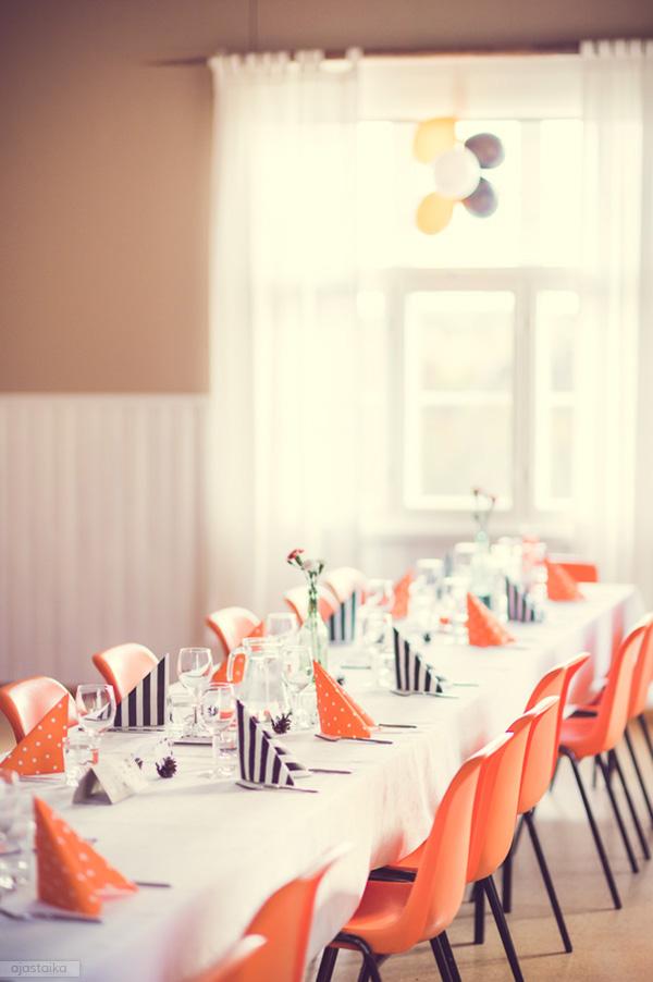 Pitkä pöytä