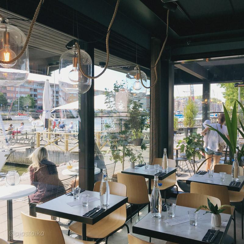 Lounaalla tänään uusi tuttavuus jokirannassa. Sisustus ainakin on 👌🏻! #lunch #lunchtime #lunchbreak #restaurant #interior #ravintolanooa #turku